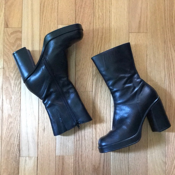 db436135ede 90s Steve Madden Square Toe Boots